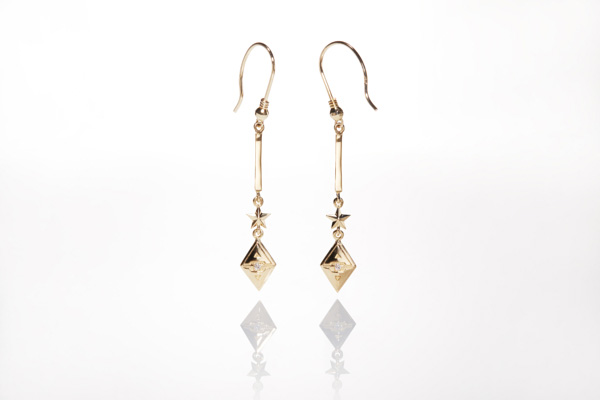 POLE TYPE GOLD & DIAMOND EARRINGS