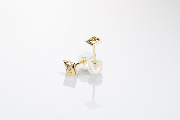 STUD TYPE GOLD & DIAMOND EARRINGS